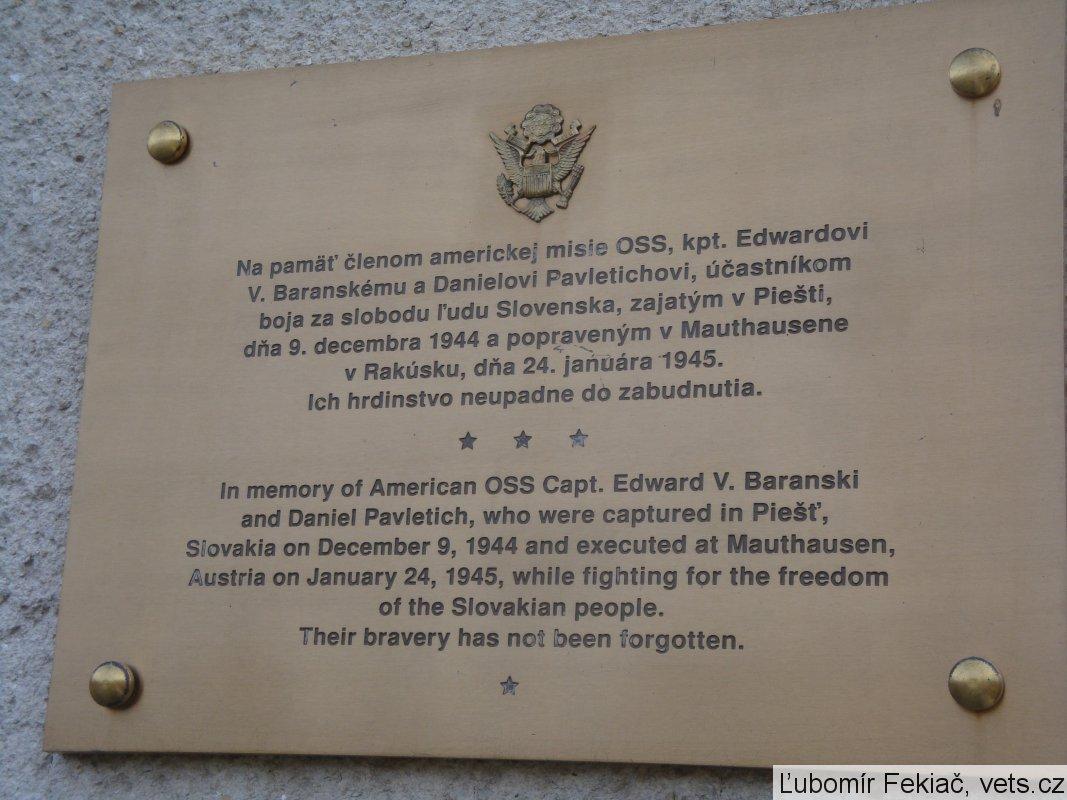 Za hrdinami minulosti – pamätník a tabule